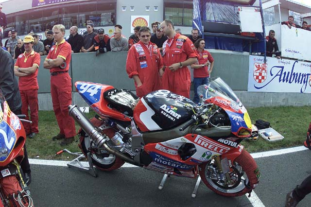 Machines de courses ( Race bikes ) - Page 15 GMT%2004